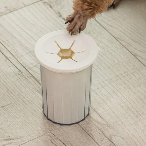 Силиконова четка с контейнер за вода, за лесно почистване на лапите на кучета/котки